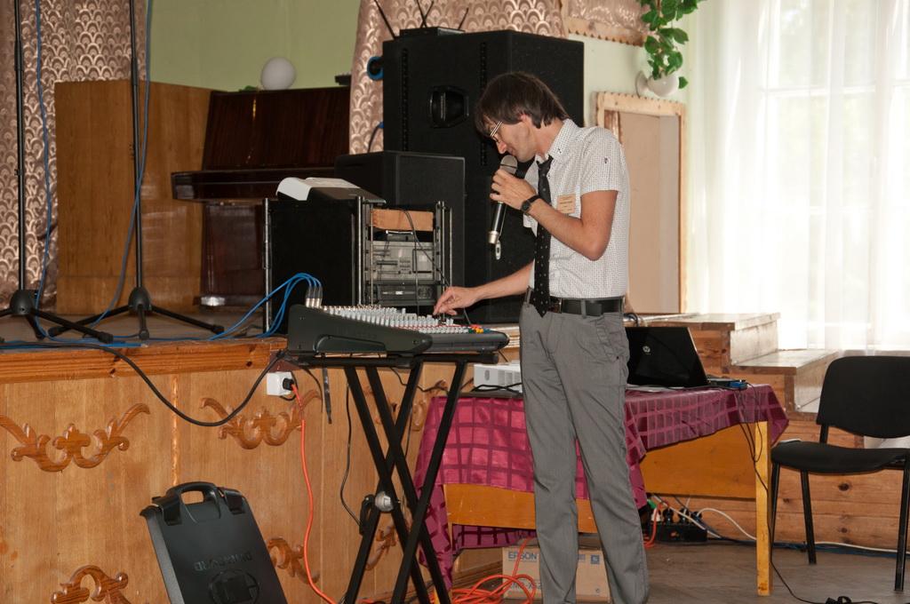 Семинар звукорежиссеров Украины 2011 - представление нового  поколения микшера-усилителя Dynacord PowerMate 3