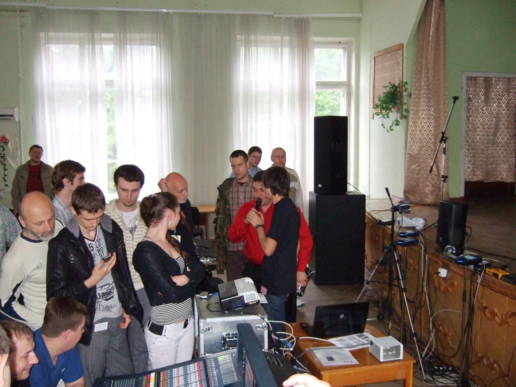 Блиц-интервью со звукорежиссером Виталием Сироштаном о его опыте работы с Midas PRO6