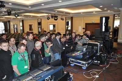 Долгожданная демонстрация самых компактных цифровых микшерных  консолей Midas PRO2 и PRO2C