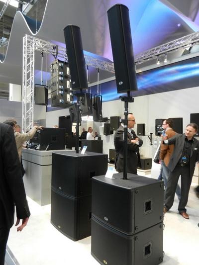 Новая акустическая система Dynacord Vertical Array на стенде Dynacord во время выставки ProLight&Sound 2012